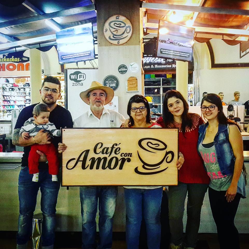 cafc%cc%a7-con-mucho-amor-1-by-diego-buitrago