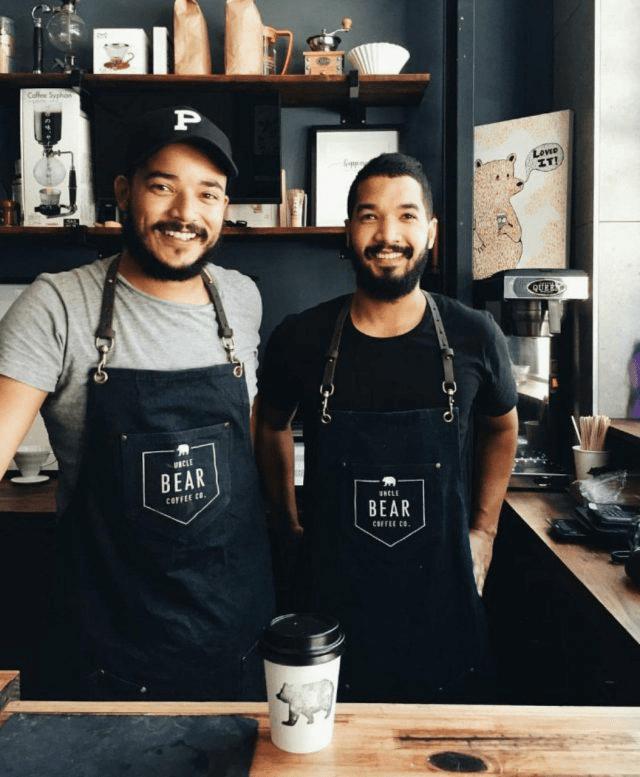baristas en cafe