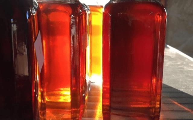 dos botella con sirope
