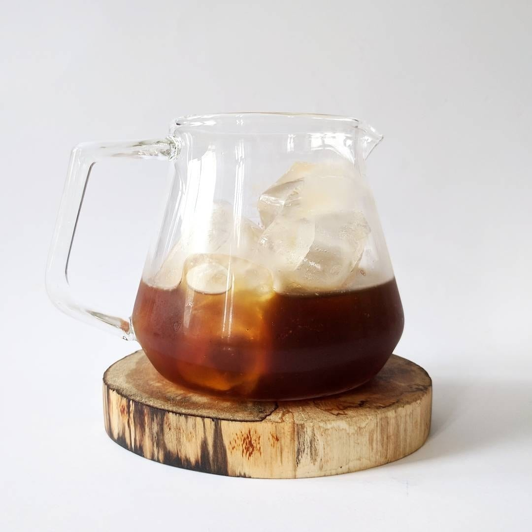 https://perfectdailygrind.com/es/wp-content/uploads/sites/2/2019/11/cold-brew-con-hielo.jpg