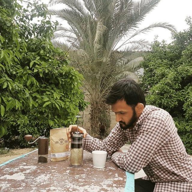 preparando cafe especial