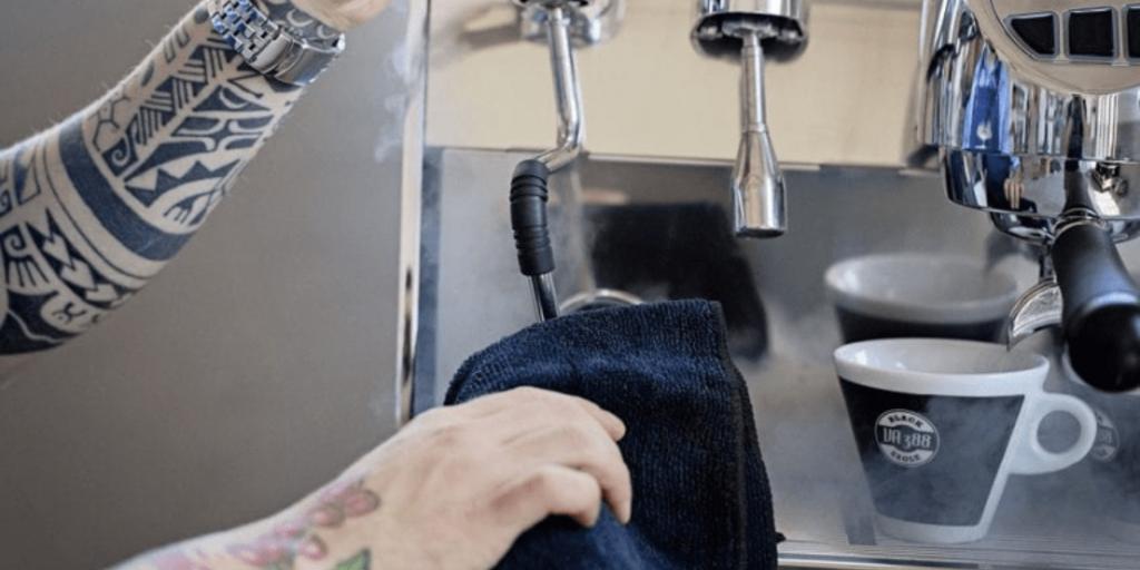 manutenção da máquina de espresso