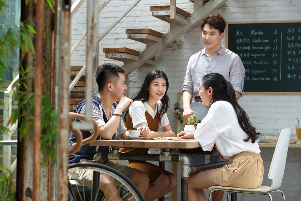 cafeteria público asiático
