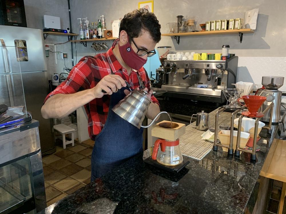 barista tempos de covid Fridda Café