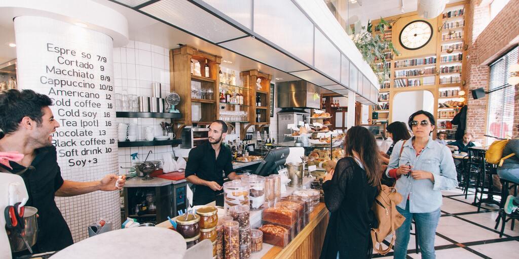 millennials amam café