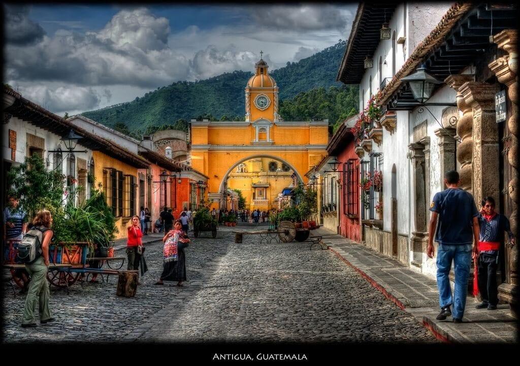 antigua street guatemala