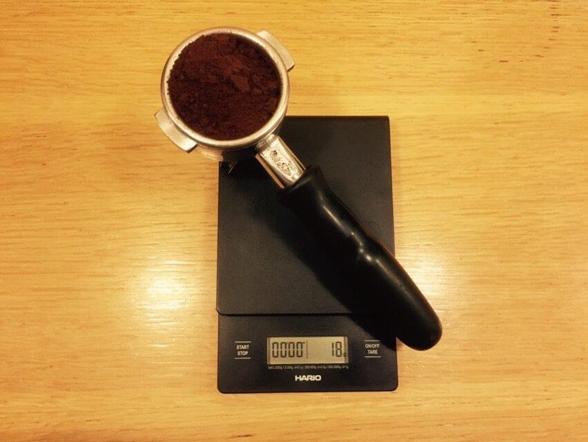 espresso in portafilter