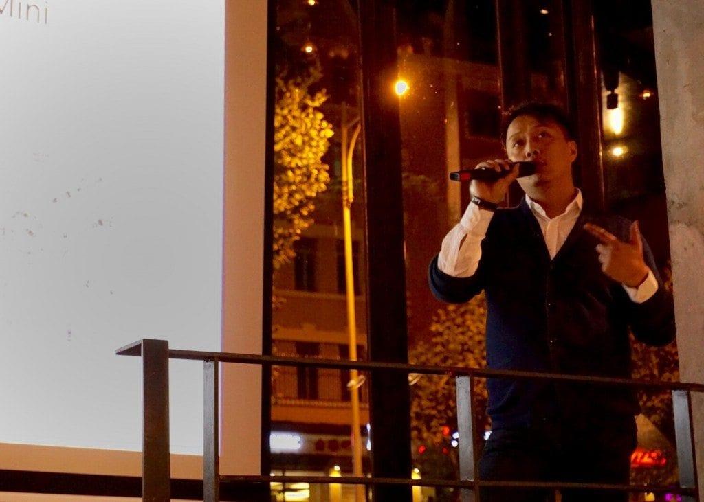 Jeremy Zhang giving a speech