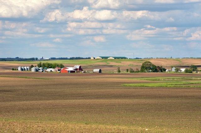Rural_Story_County_farmland,_Iowa,_2011