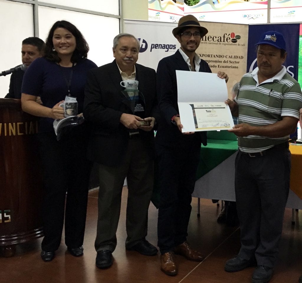 Calixto German Rivera Narvaez receiving the Taza Dorada Robusta