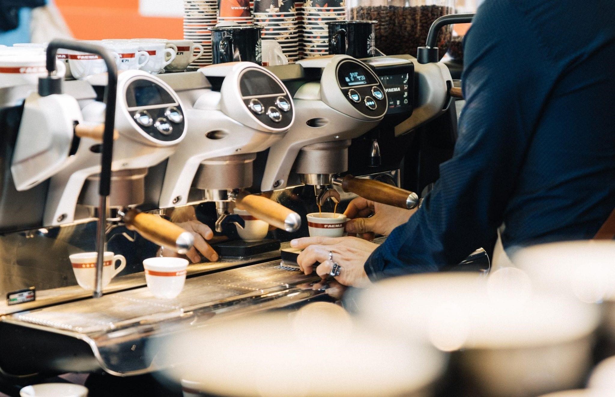 máquina de espresso faema