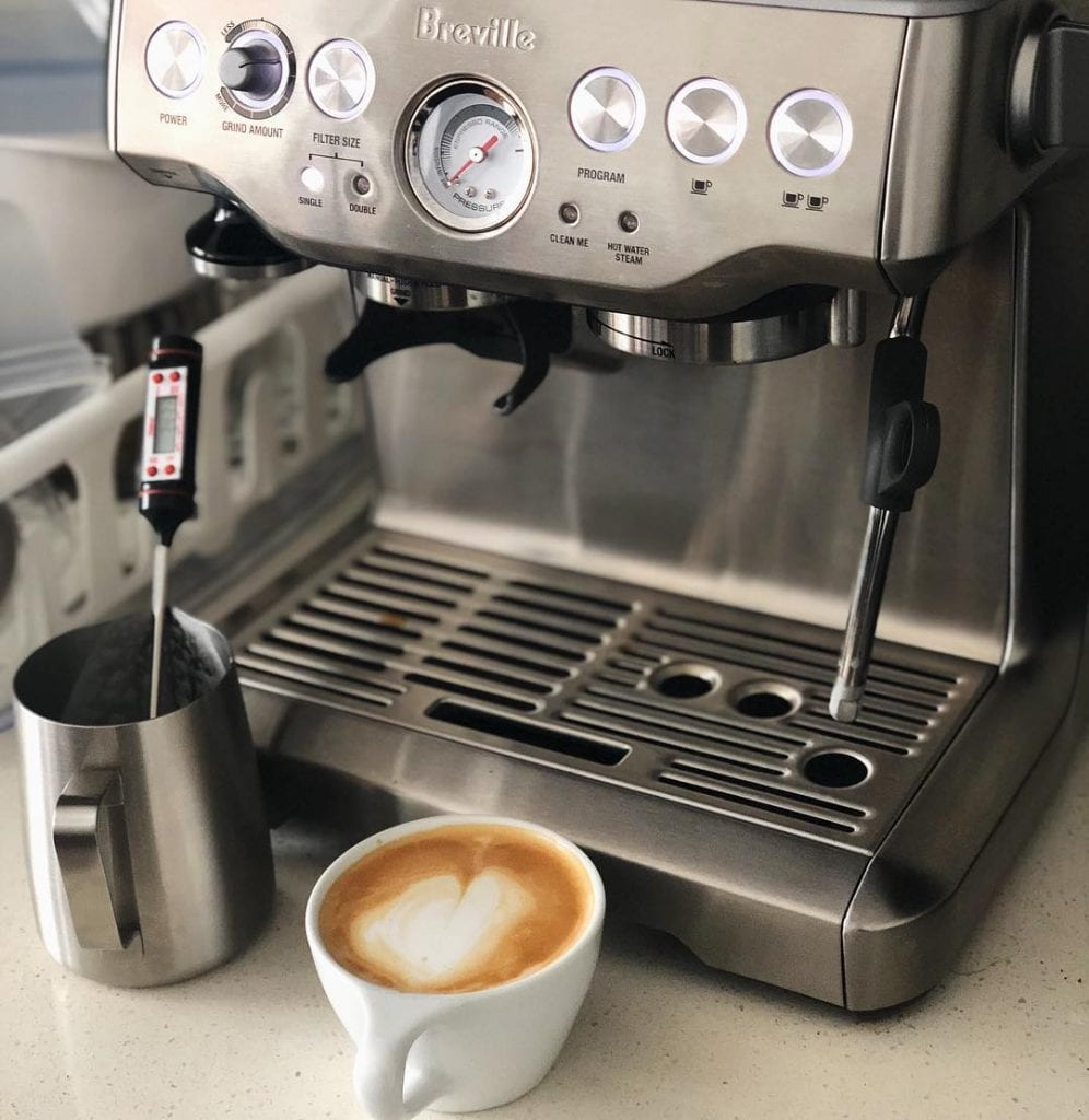 Máquina de espresso Breville.