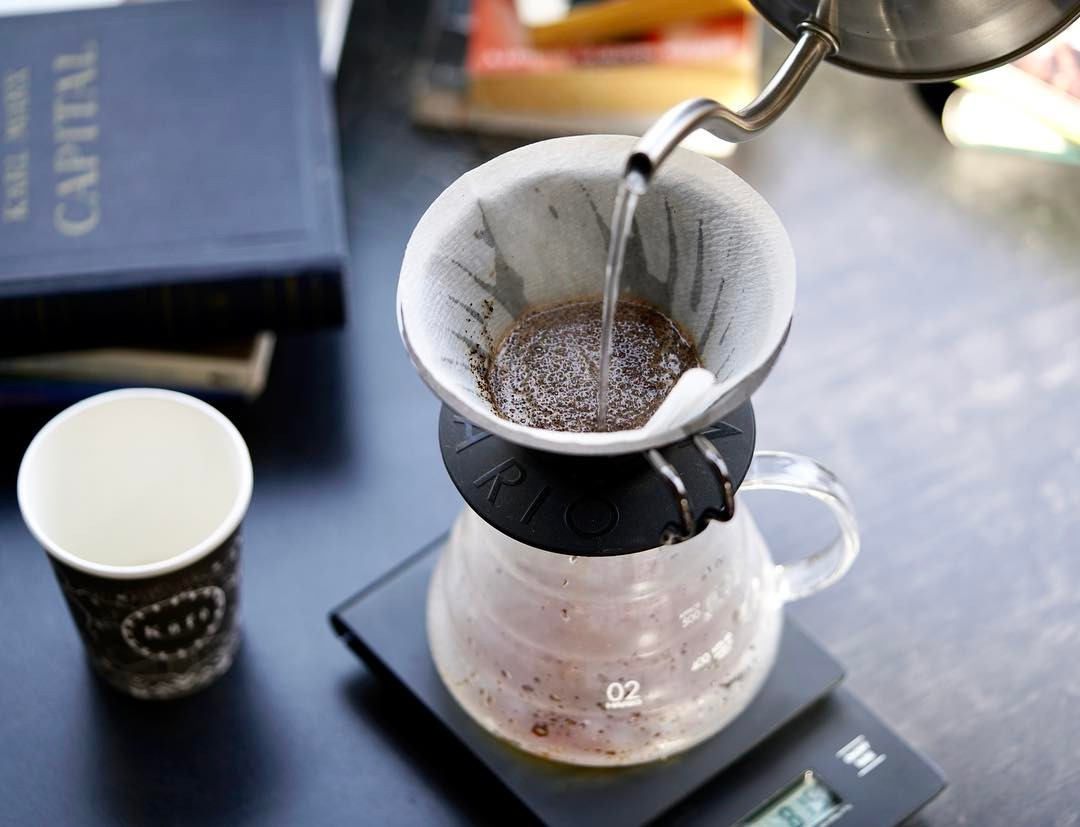 Brewing a coffee on hario v60