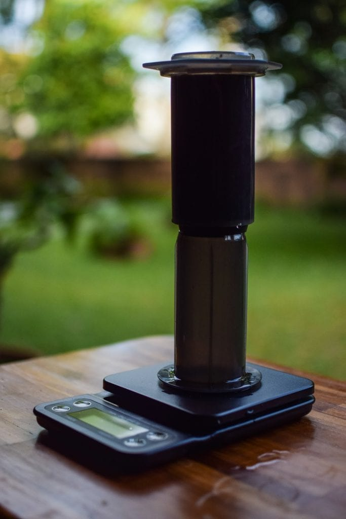 brewing coffee on aeropress using inverted method