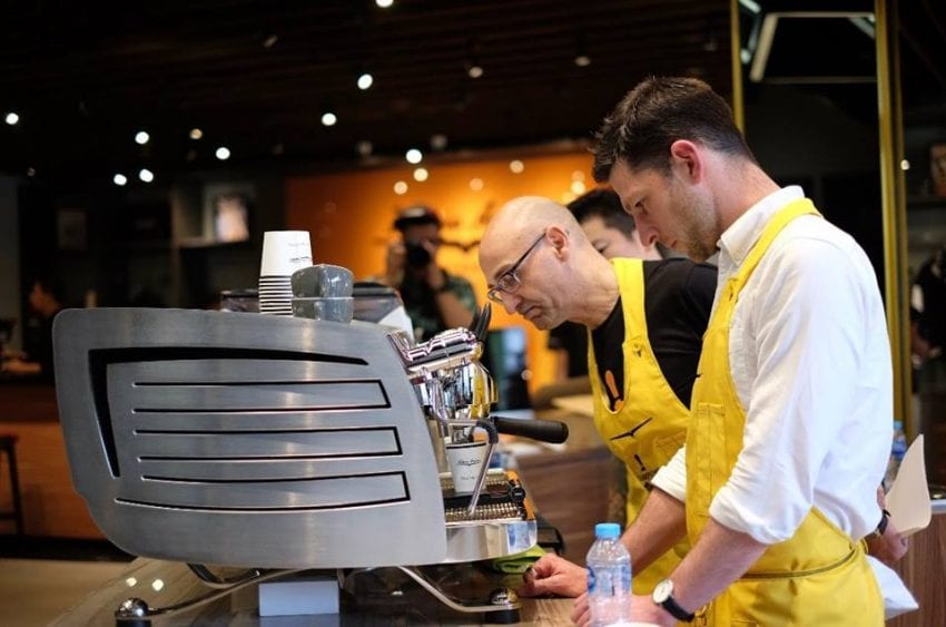 Lauro Fioretti (back) and 2017 World Barista Champion Dale Harris (front).
