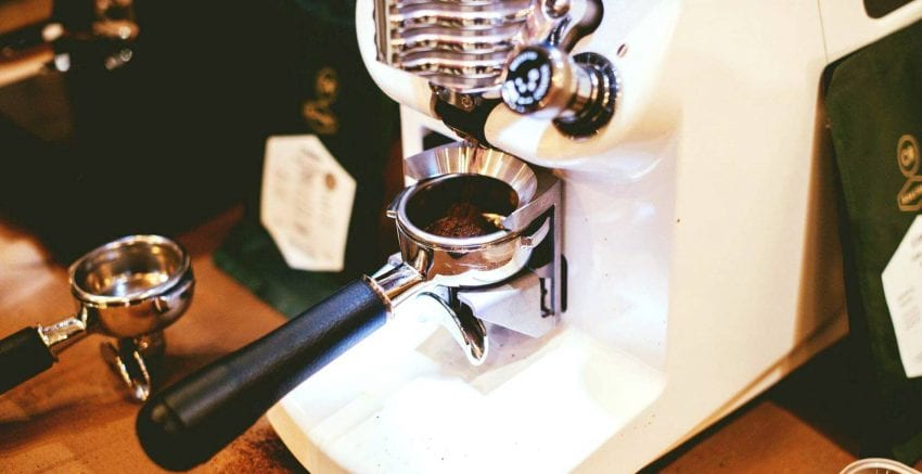 The Mythos 2, a gravimetric grinder, in action