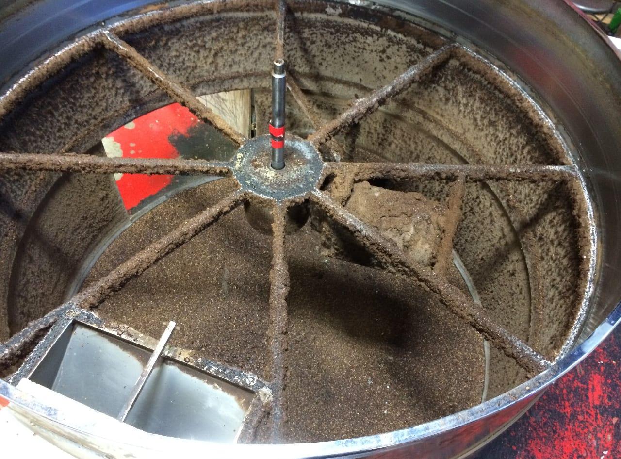 como limpar bandeja de resfriamento de café