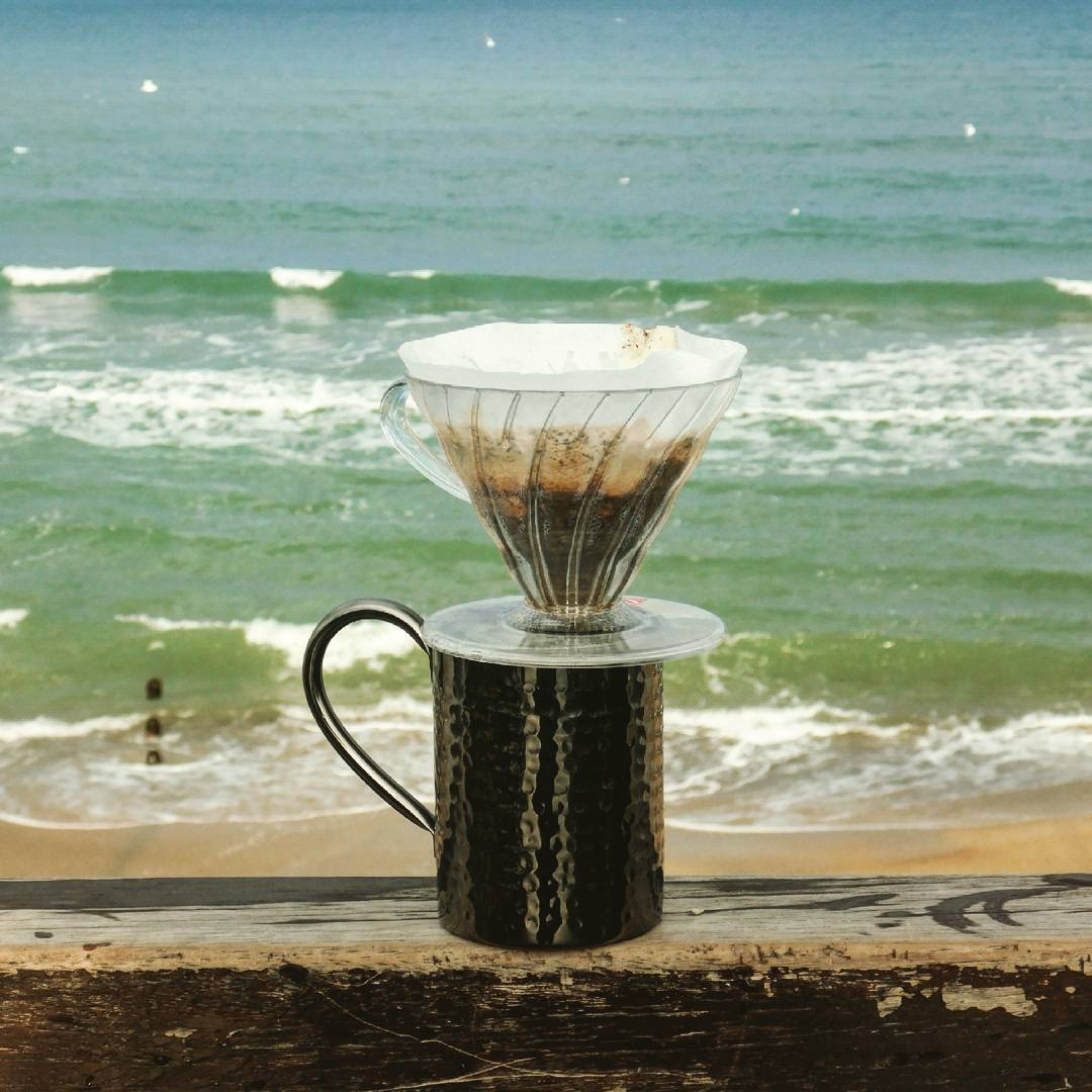 v60 brewing in the beach