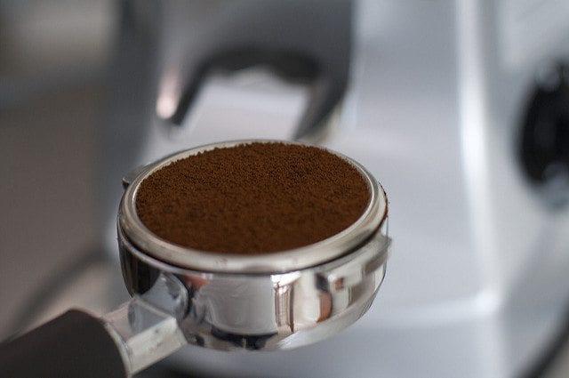 smooth espresso puck in portafilter