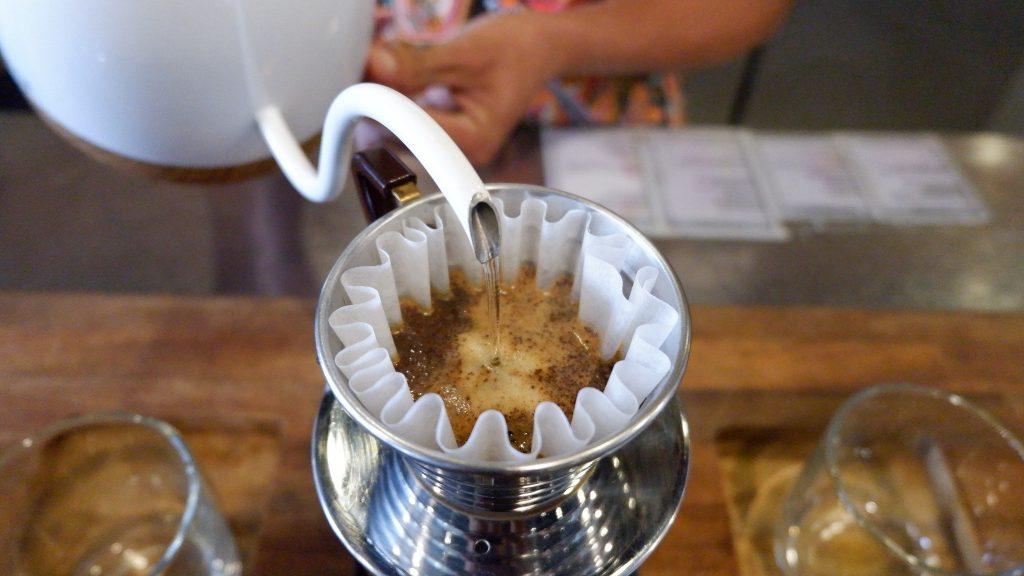 brewing coffee on kalita wave