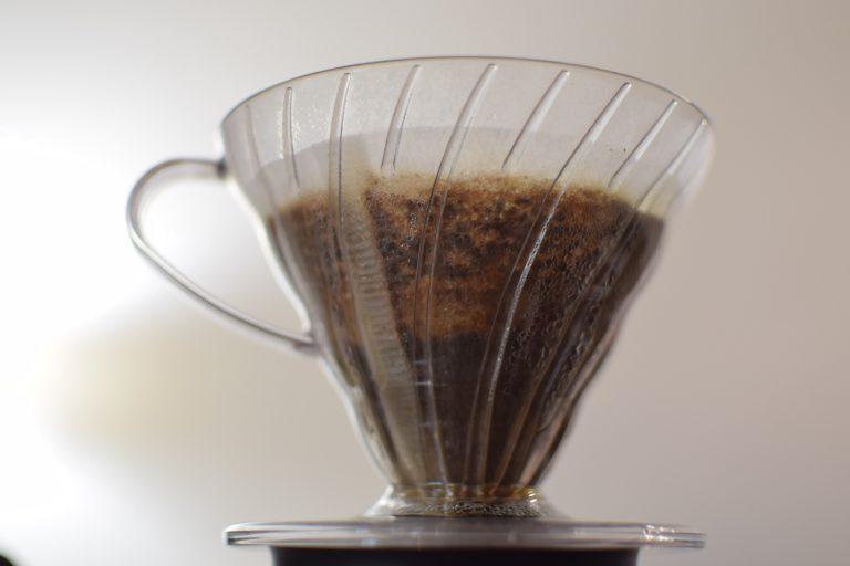 Preparo de café na v60