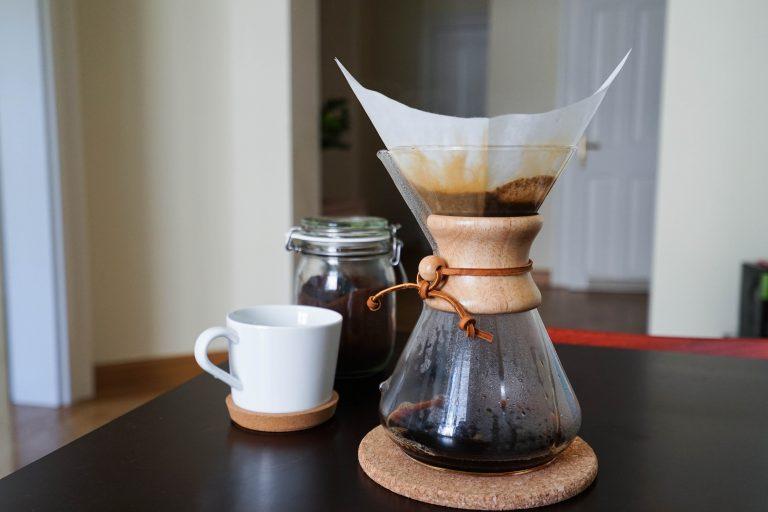 café preparado na chemex