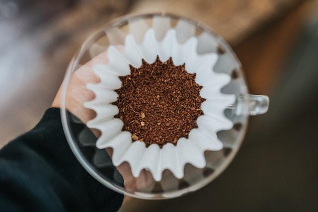 café pronto para filtragem