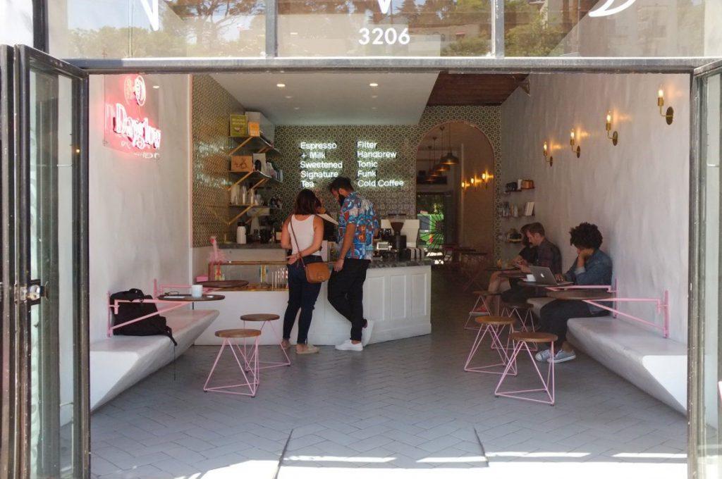 una tienda de cafe en los angeles