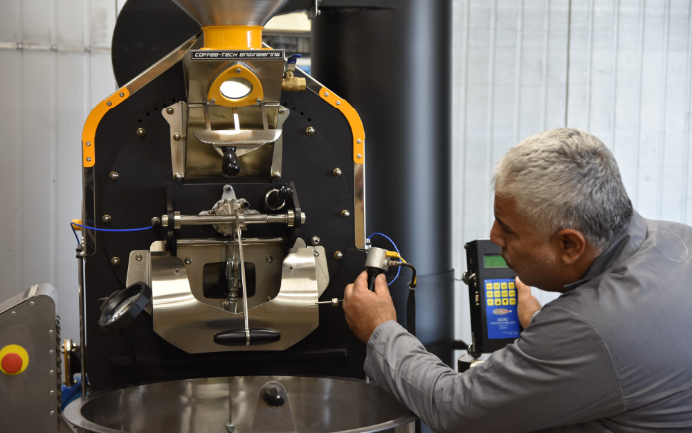 Ram Evgi calibrating one of the probes installed on a Ghibli roast machine.