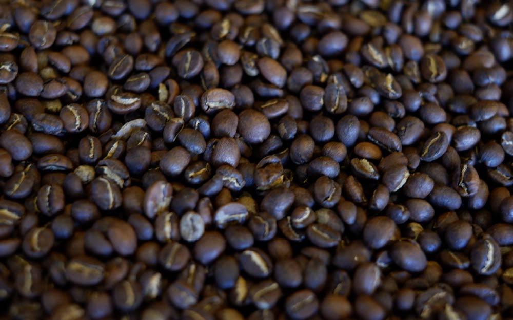 café torrado médio-escuro