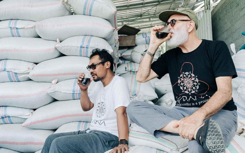 Producers drinking their coffee, Indonesia coffee