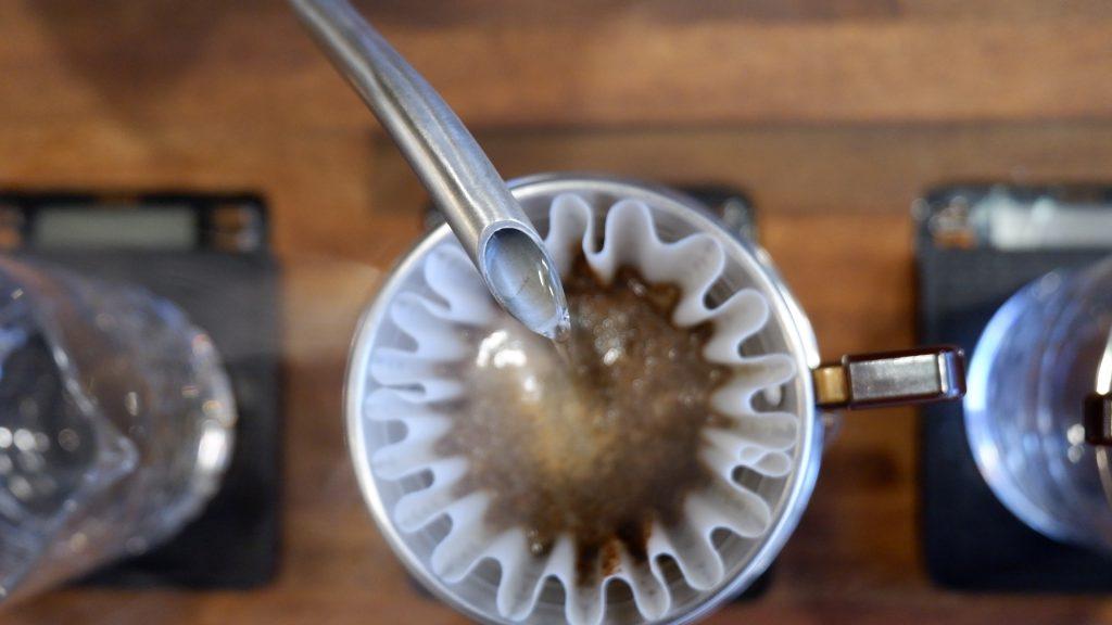 mexer o café