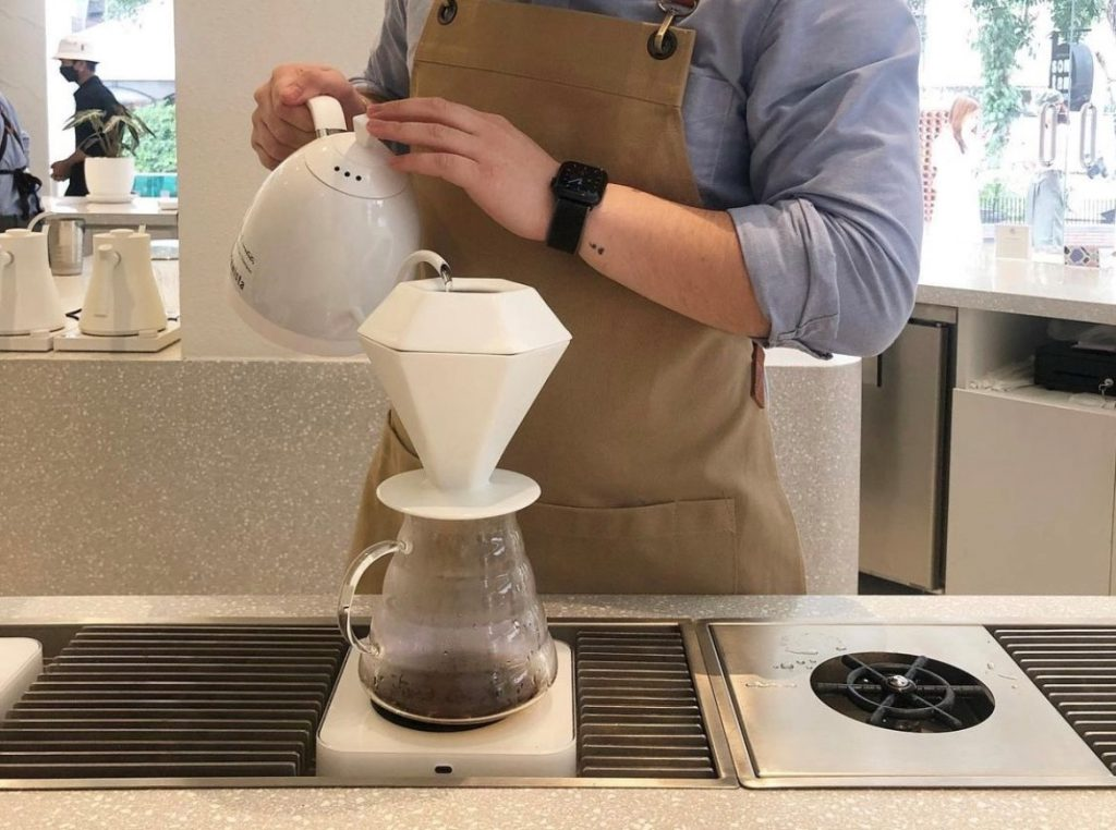 filtros de papel para verter sobre el café